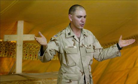 Army Chaplain leads prayer