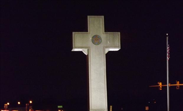 "This War Memorial May ""Shock"" & ""Upset"" Angry Atheists, But to Tear It Down Would Dishonor Heroes Bladensburg_Cross_2"